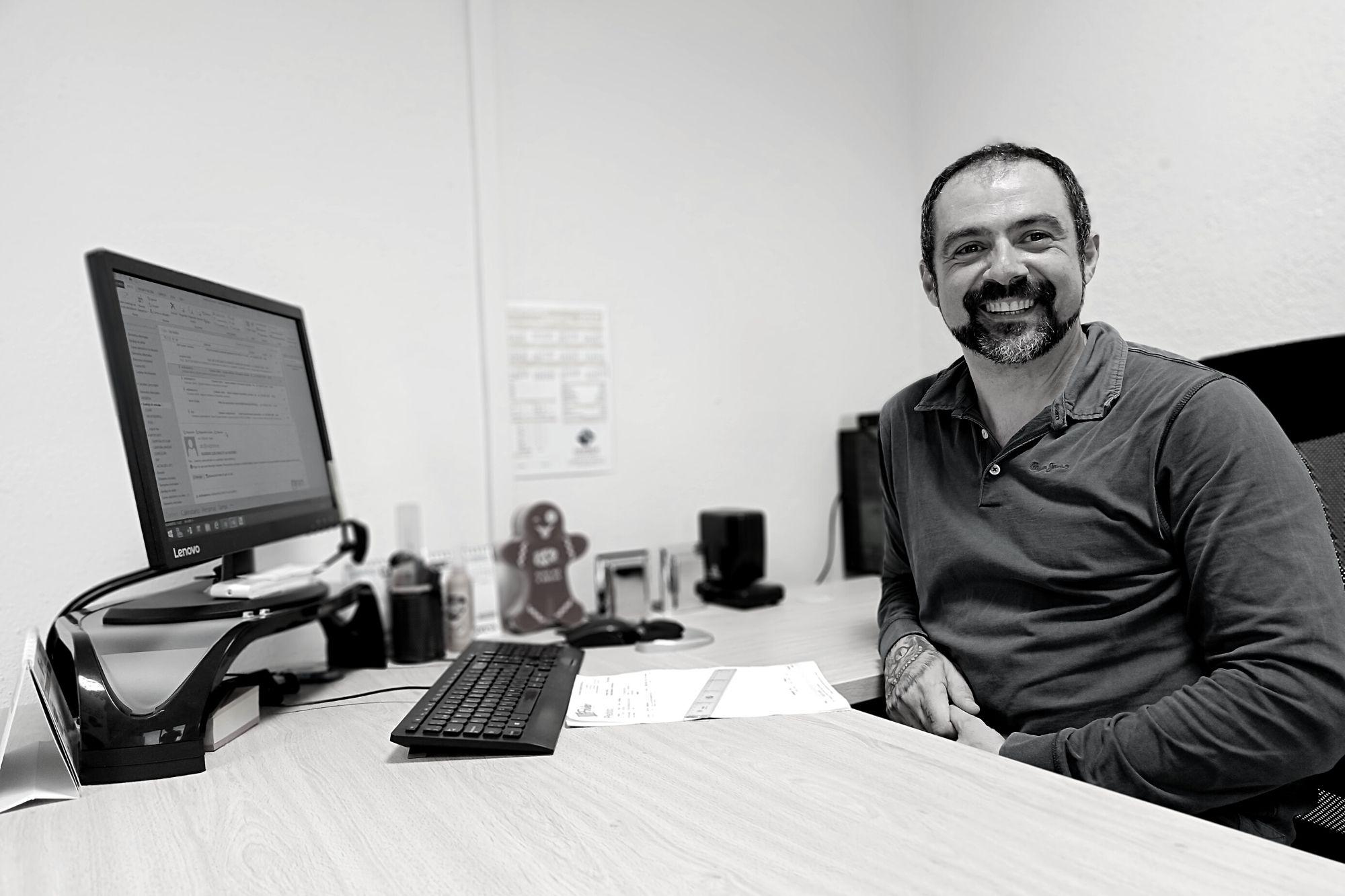 Daniel Sanchez gerencia folder valencia